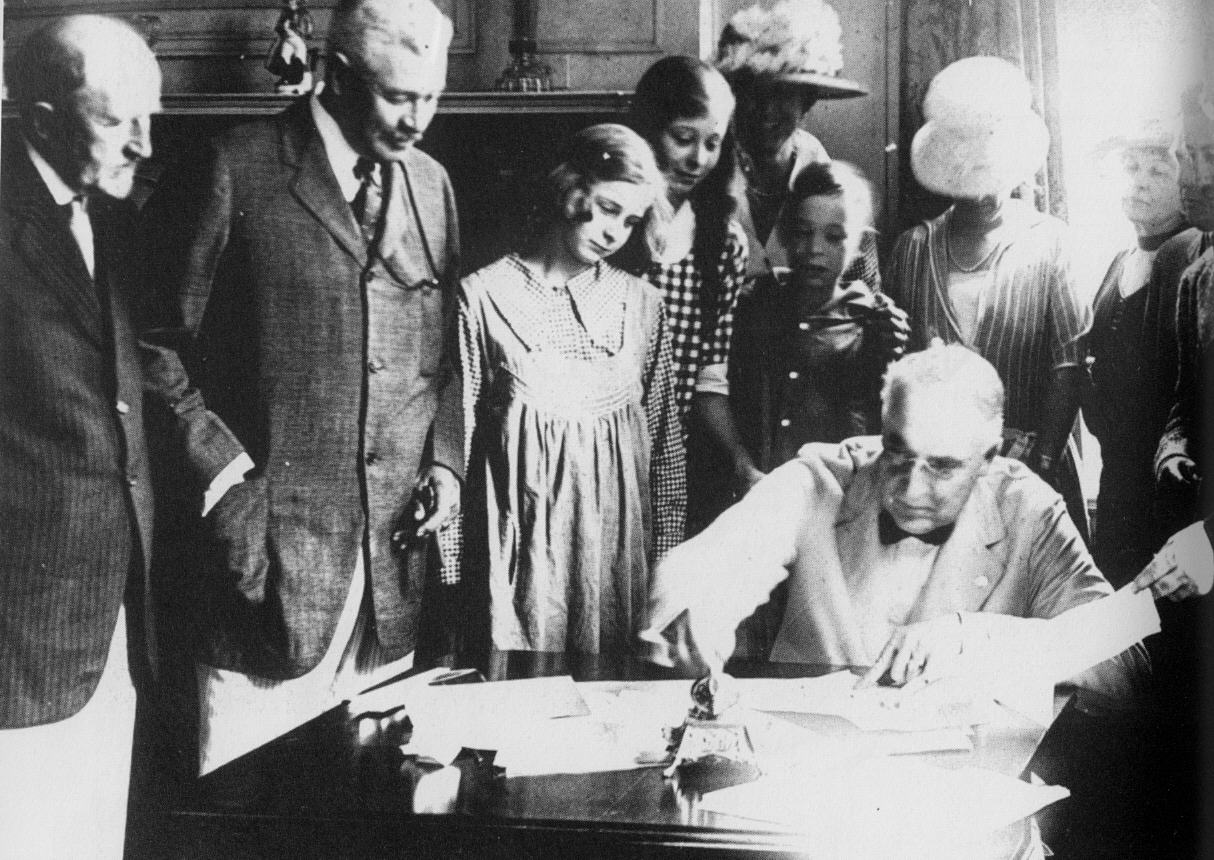 Signing of Treaty to End WW1